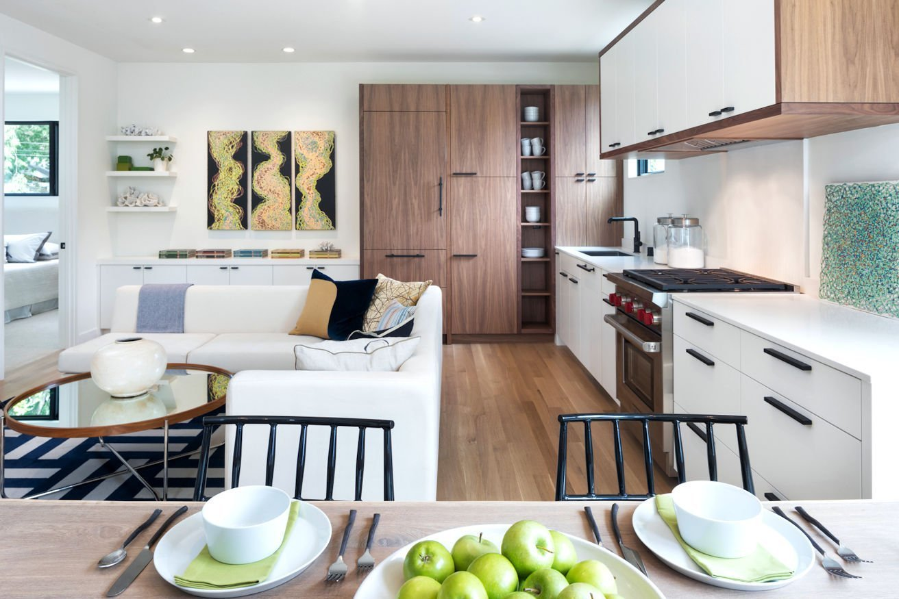Mississippi Modern-style guest house