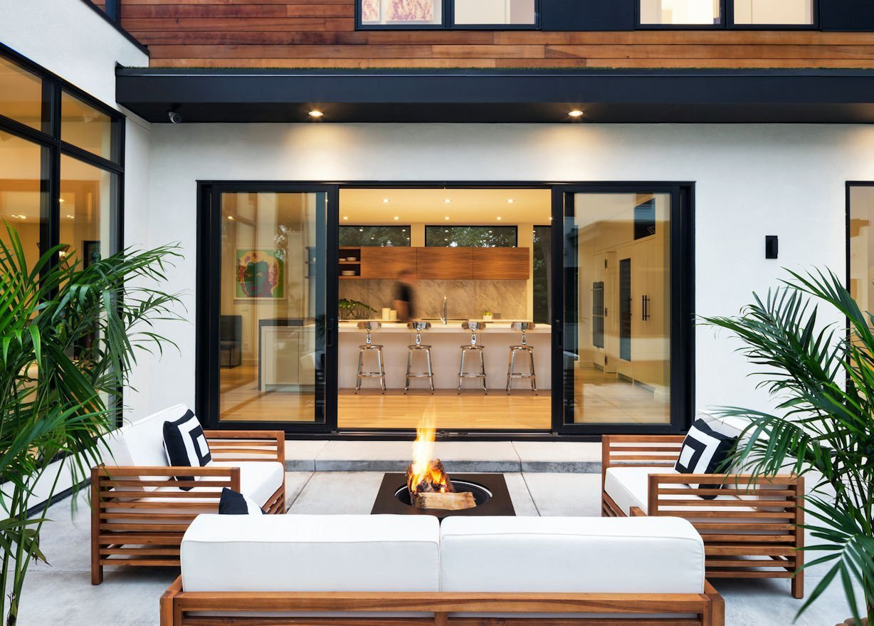 Mississippi Modern-style patio