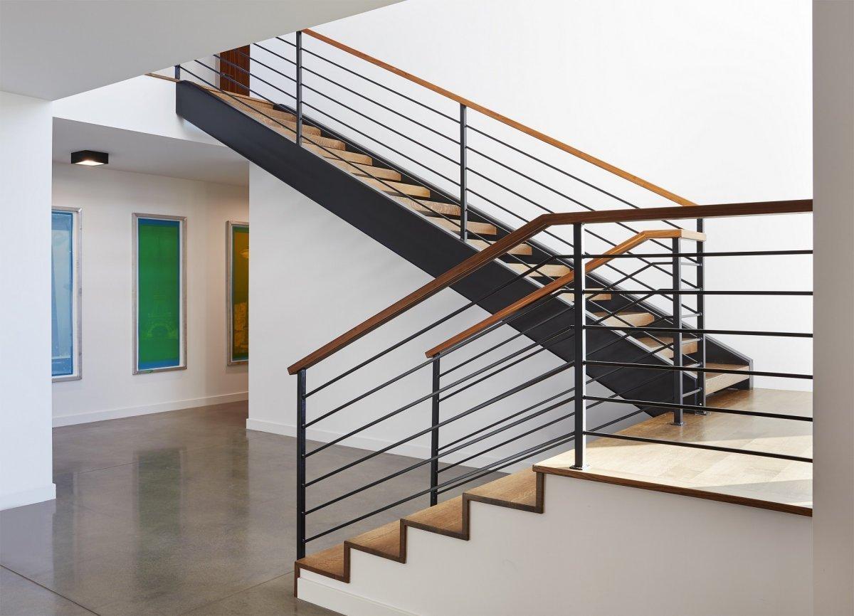 Sioux Falls Modern stairway