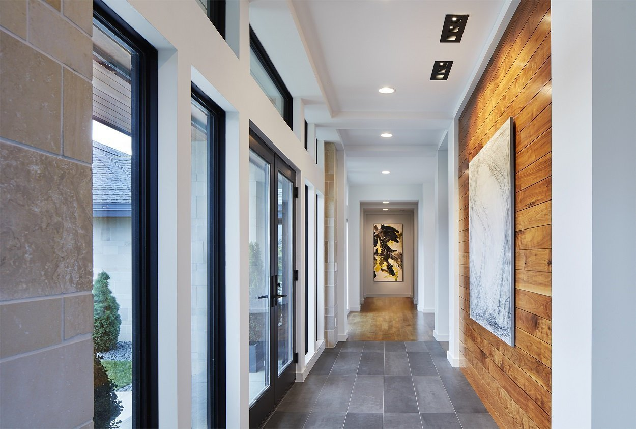 Sioux Falls Modern windowed hallway